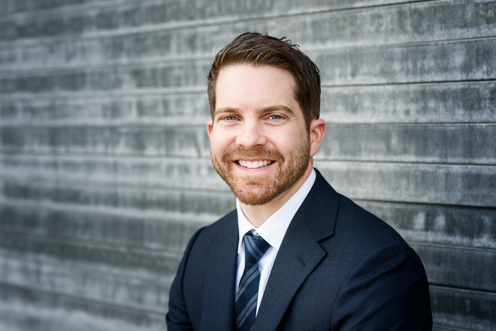 Business portraits in Montreal - Man in suit smiling